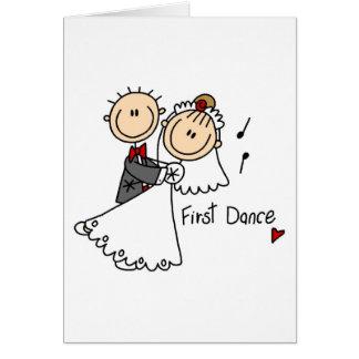 El nuevos marido y esposa primero bailan la tarjeta de felicitación