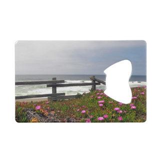 El océano florece el abrebotellas de la tarjeta de