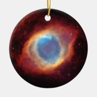 El ojo de la nebulosa de la hélice de dios adorno navideño redondo de cerámica