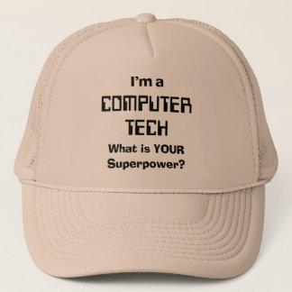 el ordenador enseña gorra de camionero