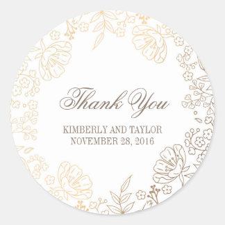 El oro y el boda floral blanco del vintage le pegatina redonda