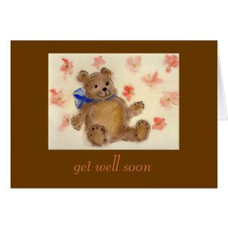 El oso de peluche consigue la tarjeta bien