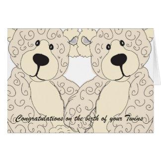 El oso de peluche de la enhorabuena de los gemelos tarjeta de felicitación