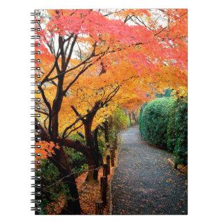 El otoño del árbol colorea Japón Libreta Espiral