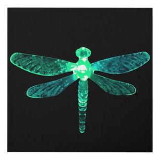 El panel de pared verde de la libélula