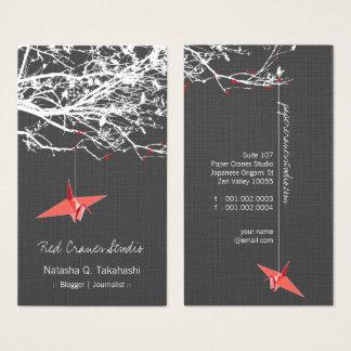 El papel rojo japonés de Origami Cranes el árbol Tarjeta De Visita