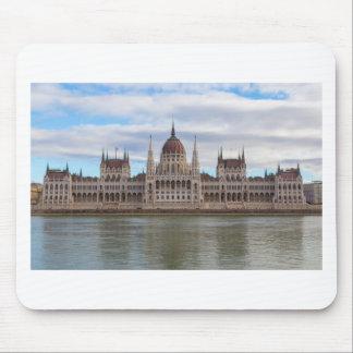El parlamento húngaro Budapest por día Alfombrilla De Ratón