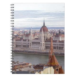 El parlamento húngaro Budapest por día Cuaderno