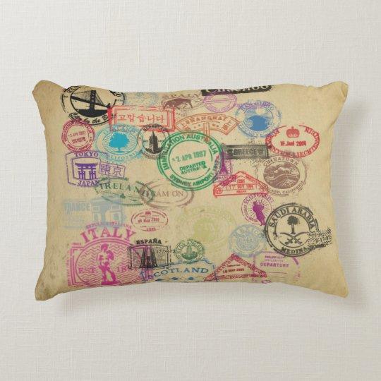 El pasaporte del vintage sella la almohada del