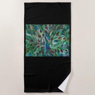 El pavo real del diseñador empluma la toalla de