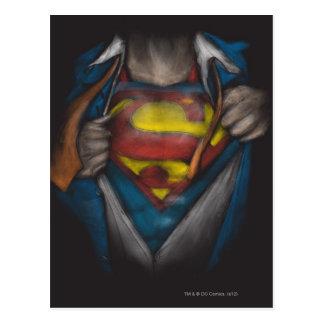 El pecho del superhombre el | revela el bosquejo postal