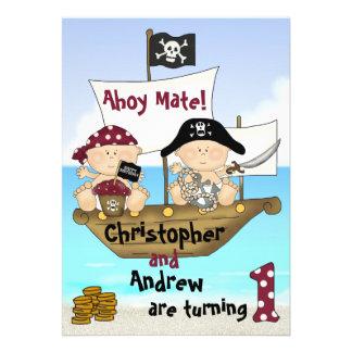 El pequeño 1r pirata del cumpleaños de Bucanero de