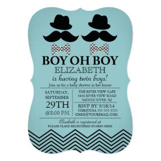 El pequeño bigote del hombre del muchacho moderno comunicados