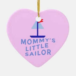 El pequeño marinero de la mamá adorno de cerámica en forma de corazón