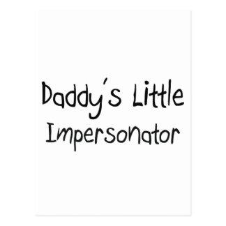 El pequeño personificador del papá postal