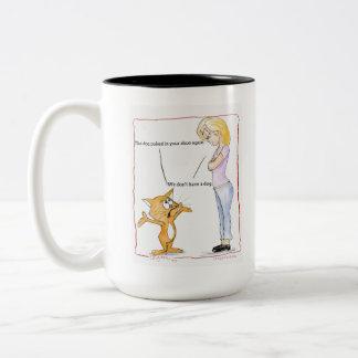 El perro lo hizo taza del gato
