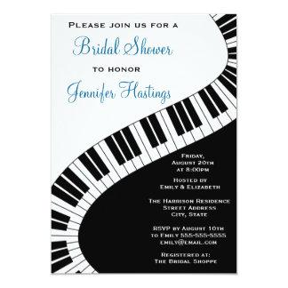 El piano curvado ondulado cierra la ducha nupcial invitación 12,7 x 17,8 cm