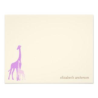 El plano de la jirafa de la mamá y del bebé le agr invitacion personalizada