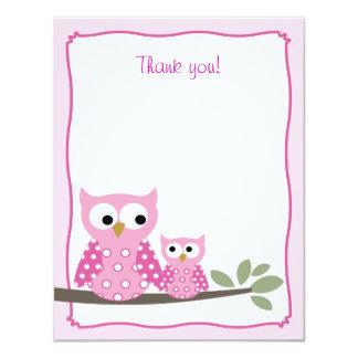 El plano rosado de los búhos de pitido le agradece invitación 10,8 x 13,9 cm