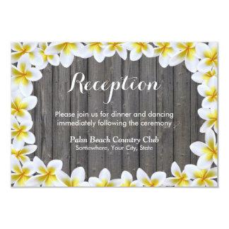 El Plumeria florece la recepción nupcial de madera Invitación 8,9 X 12,7 Cm