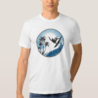 El practicar surf camiseta