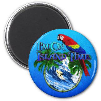 El practicar surf del tiempo de la isla imán redondo 5 cm