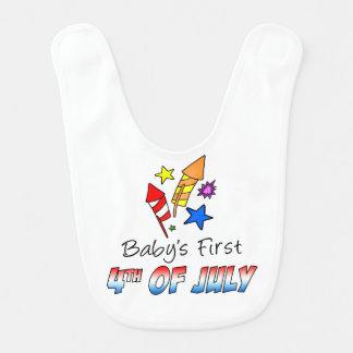 El primer cuarto del bebé del babero de julio