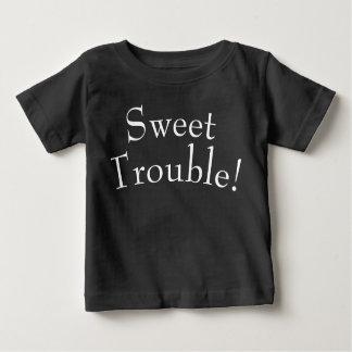 El problema dulce embroma blanco de la camiseta en
