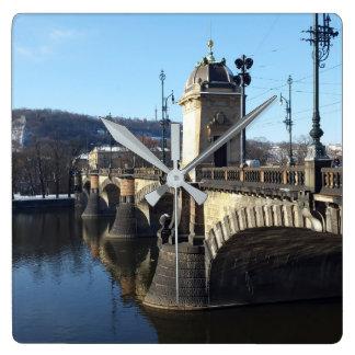 El puente de la legión, reloj de Praga