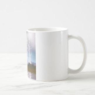 El pulso del relámpago desea las colinas máximas 4 taza de café