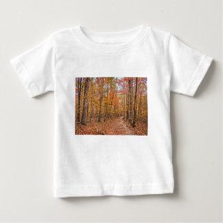 El rastro del otoño camiseta de bebé