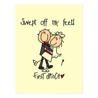 El recién casado primero baila las camisetas y los postal