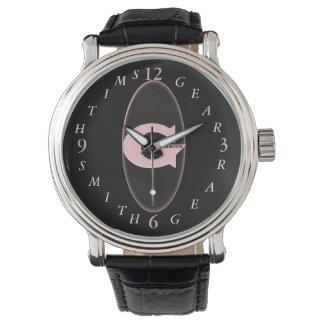 El reloj de cuero negro de los hombres de banda