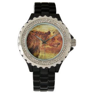 El reloj de las mujeres con el ejemplo del oso