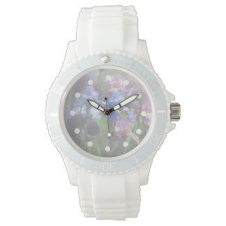 El reloj de las mujeres delicadas de los iris