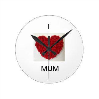 El reloj rojo redondo del corazón de la momia del