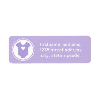 El remite púrpura etiqueta la fiesta de bienvenida