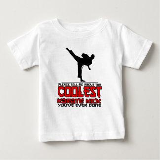 El retroceso más fresco del karate camiseta de bebé