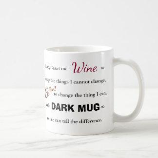 El rezo de la serenidad del vino/del café - taza