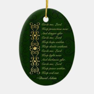 El rezo irlandés, me circunda señor, adorno de cerámica
