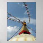 El rezo señala gran Stupa por medio de una bandera Posters