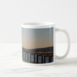El río Hudson, Tapanzee, thruway de Nueva York, Nu Tazas De Café