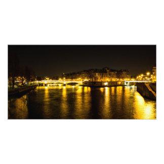 El río Sena que cruza la ciudad de París Tarjeta