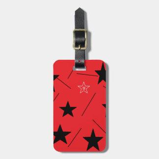 El rojo protagoniza la etiqueta del equipaje por