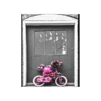 El rosa adornó la bici del niño lona estirada galerías