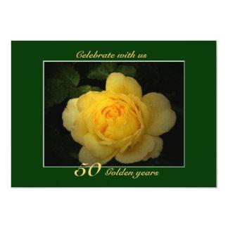 El rosa amarillo, celebración de oro del invitación 12,7 x 17,8 cm