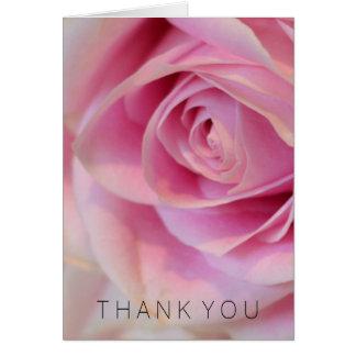 El rosa blanco rosado le agradece tarjeta pequeña
