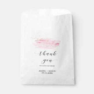 El rosa de la acuarela se ruborizan y el boda de bolsa de papel