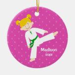 El rosa protagoniza al chica rubio del Taekwondo Adorno Redondo De Cerámica