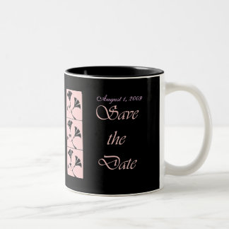 El rosa y el negro ahorran la taza del boda de la